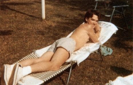 Moz sunbathing