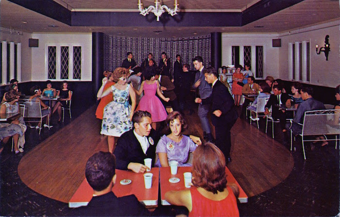 003teenagers_twistick_lounge_raleigh_hotel_south_fallsburg_new_york.jpg