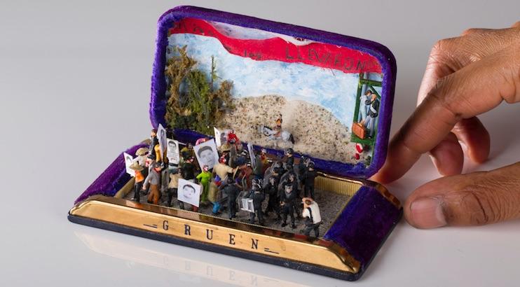 Powerful anti-racist miniature dioramas created inside jewelry boxes