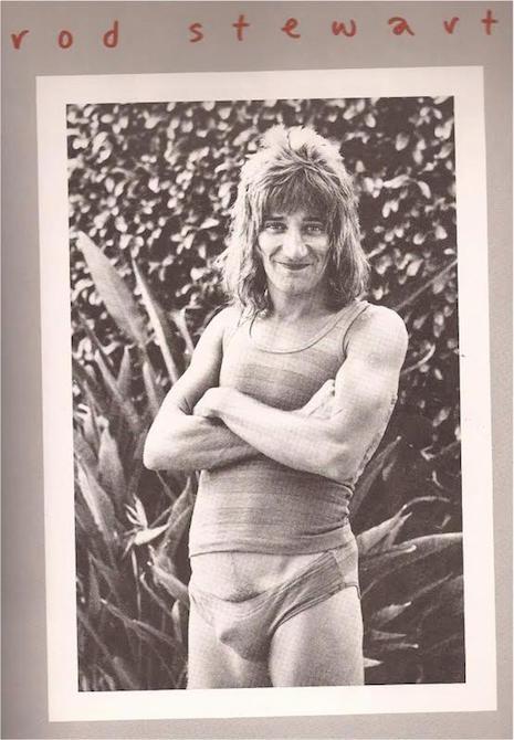 Tus fotos favoritas de los dioses del rock, o algo - Página 3 08_rodstewart_RSITunderpants_465