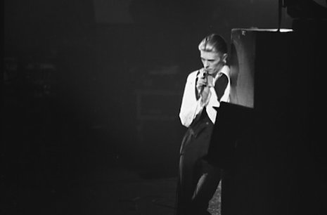 David_Bowie_1976_TWD_23094832.jpg