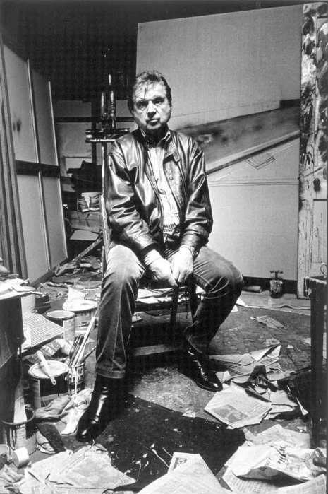 francis_bacon_in_his_studio