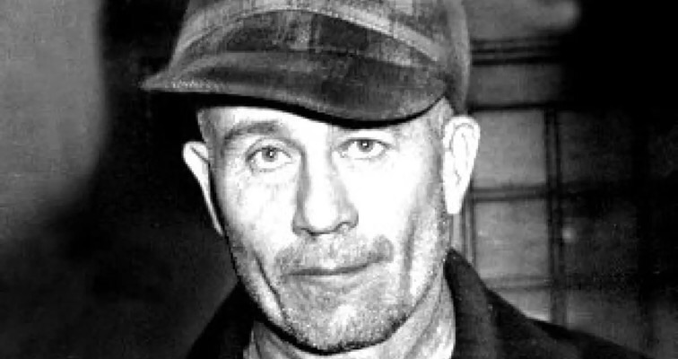Cauldron reportedly used by serial killer Ed Gein advertised at small town auction