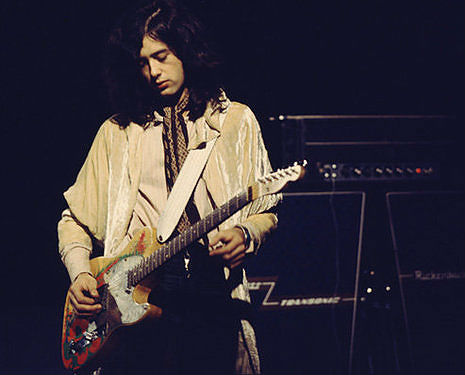 Led Zeppelin: Rip-snorting live 'Communication Breakdown' w/ great Jimmy Page guitar work, 1969