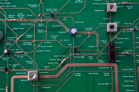 london_underground_map_yuri_suzuki_03