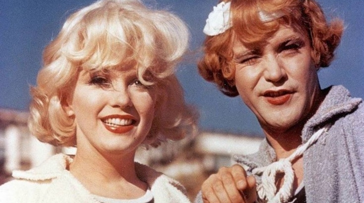 What a drag: Amazing behind the scenes photos from the set of 'Some Like It Hot'