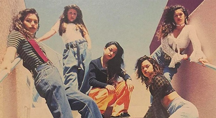 Girl gangs: Portraits of Chicano girl culture from the 1990s