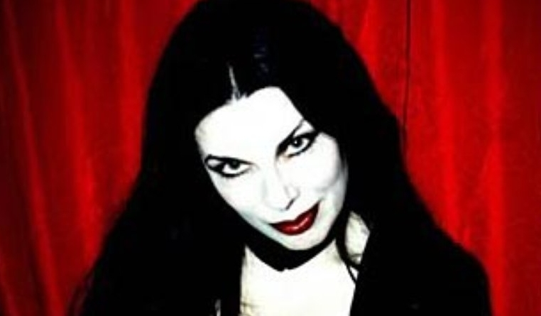 Lucretia Reflects: An interview with Patricia Morrison, the Gothmother of Punk