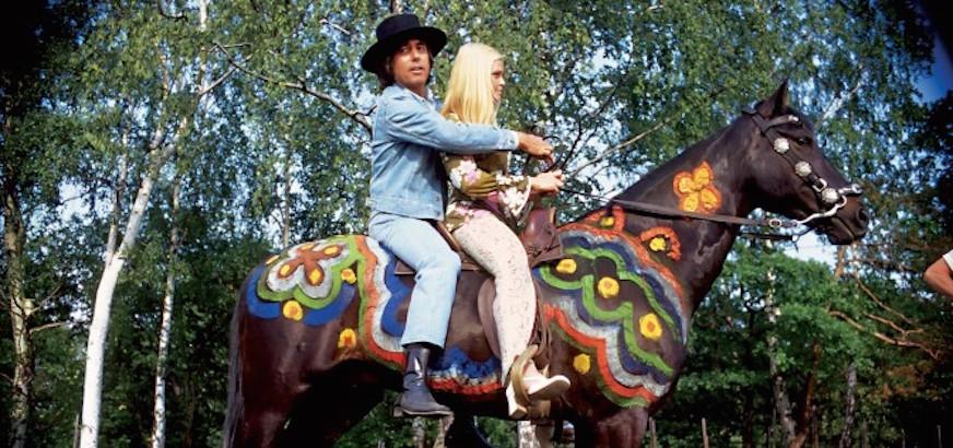'Cowboy in Sweden': Watch Lee Hazlewood's insane Swedish TV special, 1970
