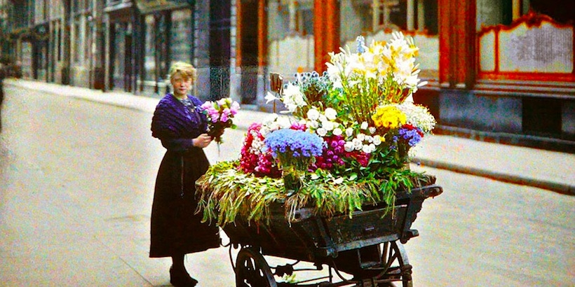 Gorgeous color photographs of Paris from over a century ago