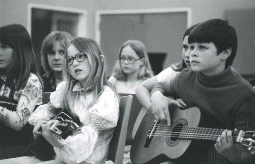 Innocence & Despair: 1970s school children sing Bowie, Beach Boys, Beatles and Eagles