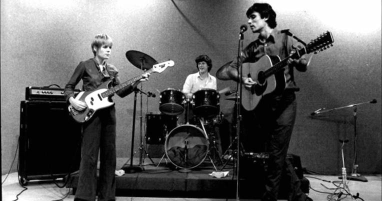 32 minutes of Talking Heads playing CBGBs in 1975