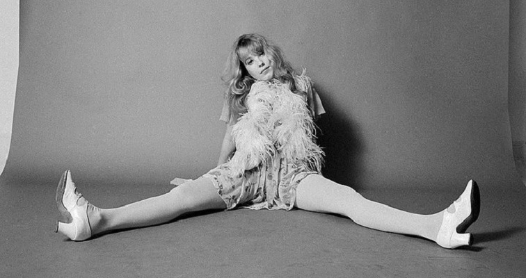 Cynthia Plaster Caster, Pamela Des Barres & others in the fascinating 1970 doc 'Groupies'