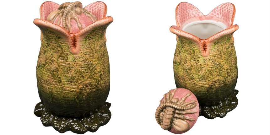 Alien egg ceramic cookie jar with Facehugger lid