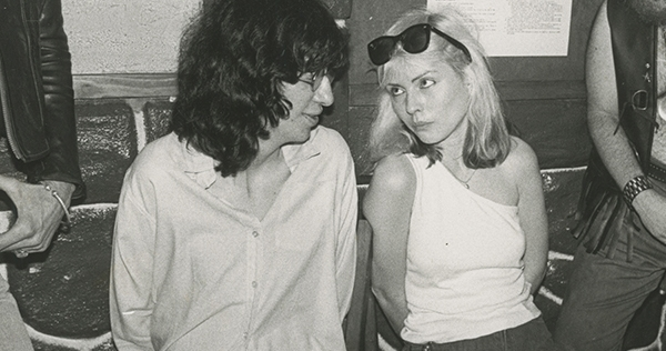 Debbie Harry covering The Ramones 27 years ago
