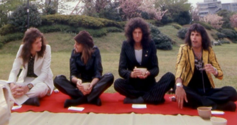 Stunning images & footage of Queen's first visit to Japan in 1975 & their triumphant return in 1976