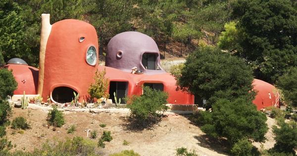 California's bizarro 'Flintstone House' sells for $2.8 million