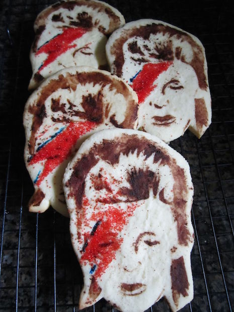 Aladdin Sane cookies are too pretty to eat