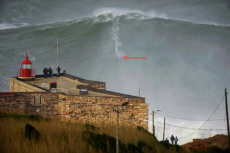 Extreme surfer Garrett McNamara rides record-breaking 100-foot wave