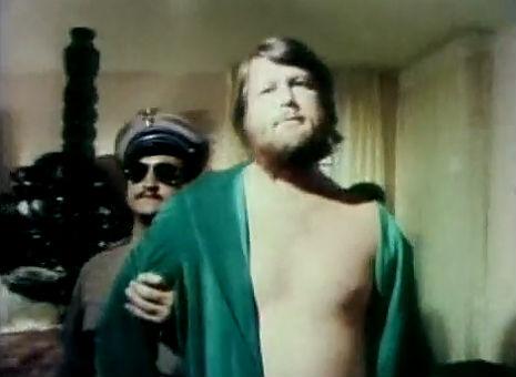 John Belushi & Dan Aykroyd take Brian Wilson surfing, 1976