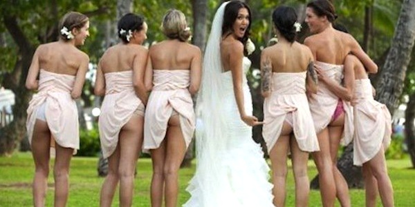Bridesmaids, show us your asses! The latest trend in wedding pics?