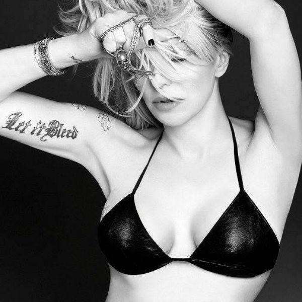 Has Courtney Love found Flight 370???