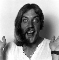 Donald Sutherland gives a brief history of his career: Rare interview from 1979