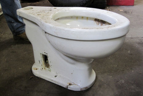 Heil Shitler: Hitler's Toilet lives (in a New Jersey auto-body shop)