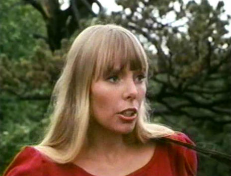 Stunning color footage of a young Joni Mitchell, 1966