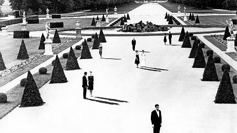'Last Year at Marienbad': Vintage 1960s cigarette ad pays homage to avant garde art house classic