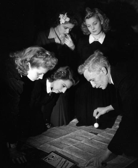 Le Pendule (The Pendulum), 1945