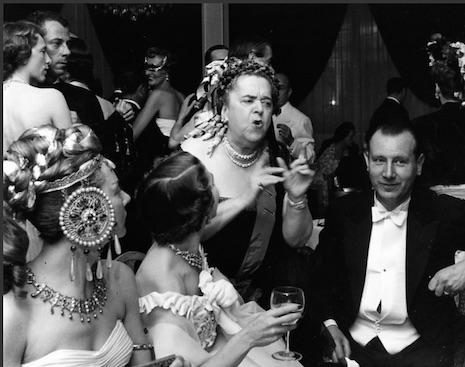 Les potins d'Elsa Maxwell (Parisian gossip queen, Elsa Maxwell) 1952