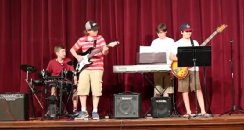 Kids perform Weezer song at school's recital; it goes all wrong