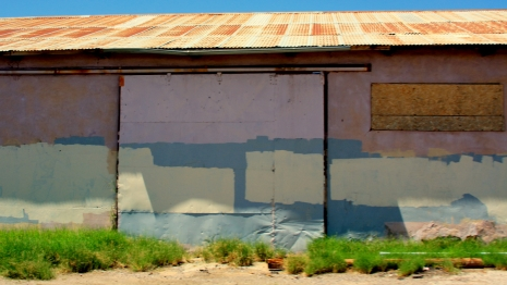 The unintentional beauty of graffiti removal @Dangerous Minds Artes & contextos 3699386610 d62555e8bf o 465 262 int