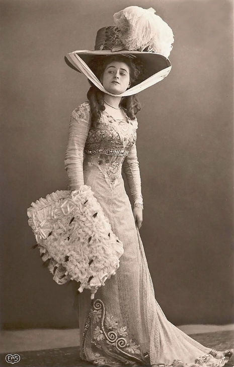 Beauty Over 100 Years Ago - 35 Stunning Postcards of