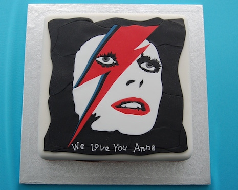 Aladdin Sane cake by UK company Cakes Beyond Belief