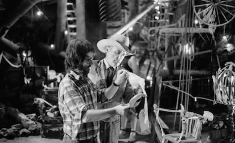 Dennis Hopper and Tobe Hooper on the set of The Texas Chainsaw Massacre 2