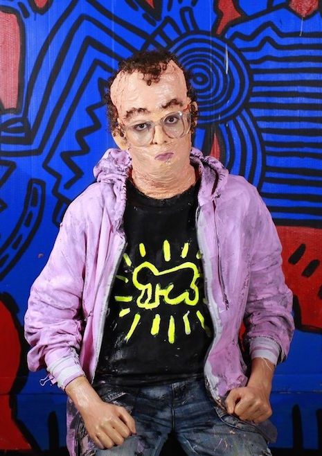 Artist Keith Harring living sculpture