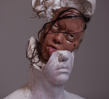 Fake human remains become horrifyingly realistic high-art - @Dangerous Minds Artes & contextos moldheadhair09uw30e9sitkinasdkjflas 465 423 int