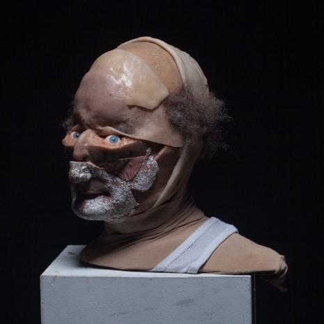 Fake human remains become horrifyingly realistic high-art - @Dangerous Minds Artes & contextos sitkinbuffalobill09uerfplasjdlkasdljasd 465 465 int