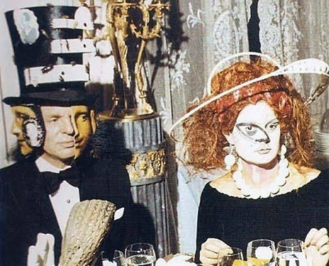 Glimpses of the extravagant Surrealist Ball of 1972  Surrealist01_465_376_int