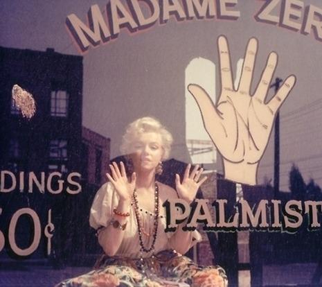 Marilyn palmreader window