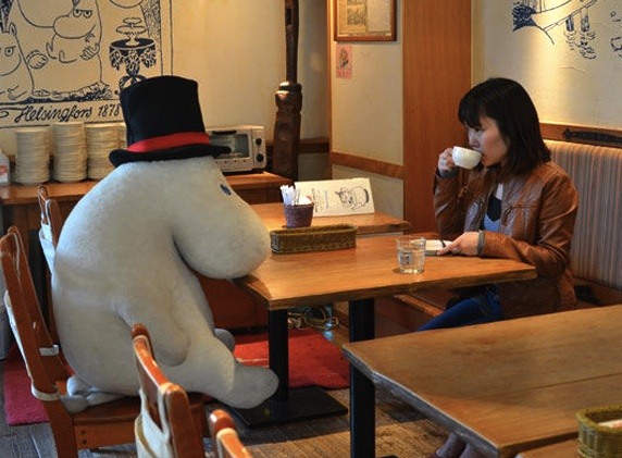 Japanese cafe seats solo diners with stuffed animals to ward off loneliness