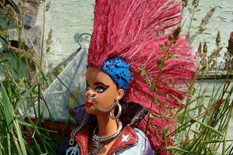 'Skinhead Darby and Mohawk Ben,' hilariously 'insider' punk Barbie doll parody from 1982