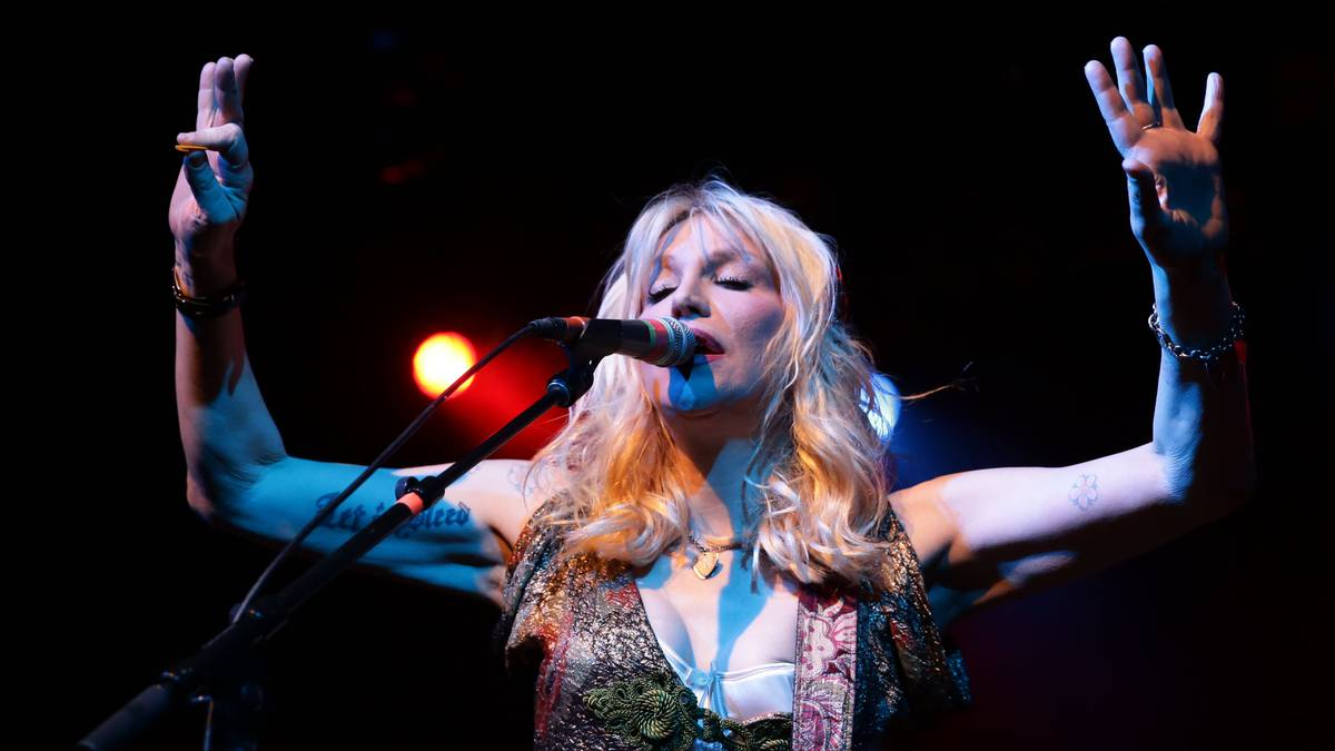 This isn't a 'shred' video: Hear Courtney Love's horrible isolated vocal and guitar track