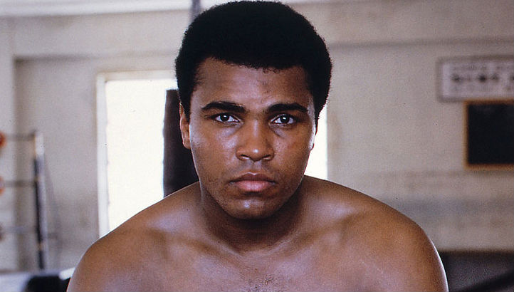Muhammad Ali recites his poem on the Attica Prison riot: 'Better to die fighting to be free'
