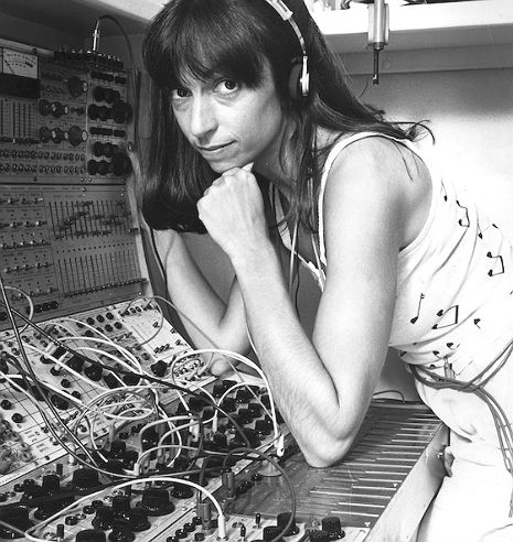 Suzanne Ciani, 'American Delia Derbyshire of The Atari Generation' explains synthesizers, 1980