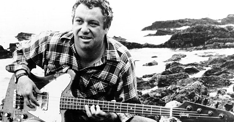 Mike Watt is still on the move with Il Sogno del Marinaio: an exclusive video premiere