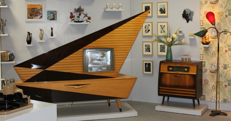 Meet the Kuba Komet, the most ass-kicking retro home entertainment system ever made