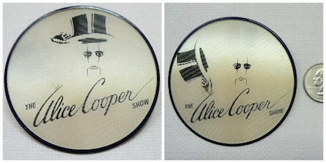 Alice Cooper 1977 promotional flicker/flasher pin